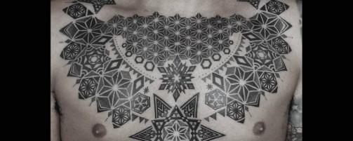 Hand poked tattoo мастера Emico.